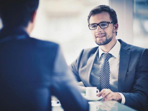 72f222df52cd0b Roupa para entrevista de emprego - qual o traje ideal?   Robert Half